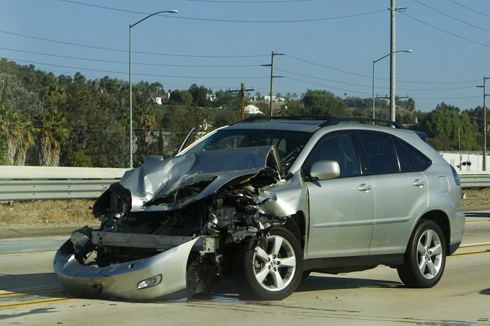 uszkodzony pojazd szkoda całkowita