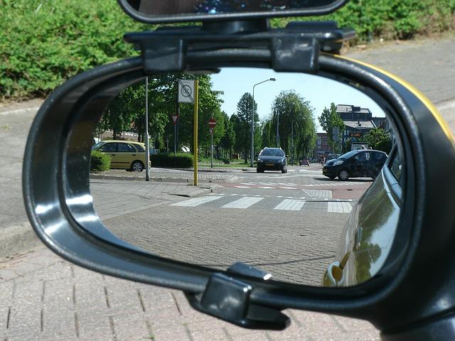 Zmiany w kodeksie drogowym – kierowcy i piesi